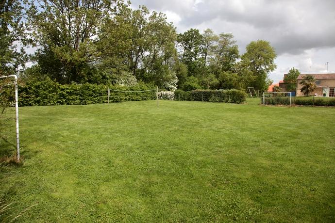 Gite grand standing 8 personnes en vend e for Grand jardin en friche