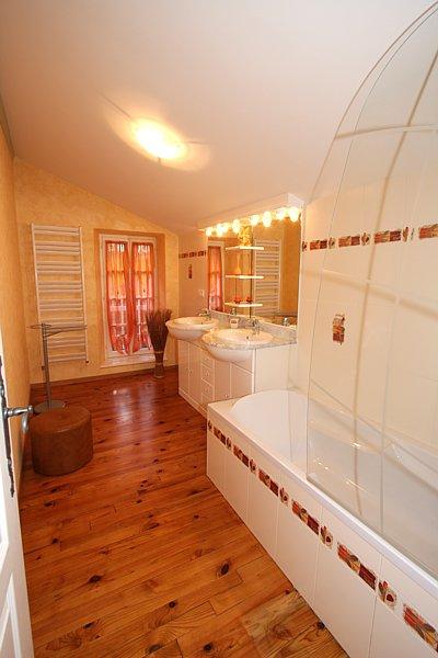 Salle de bains de la chambre Orchidée