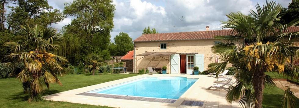 Gite avec piscine chauffée et privée