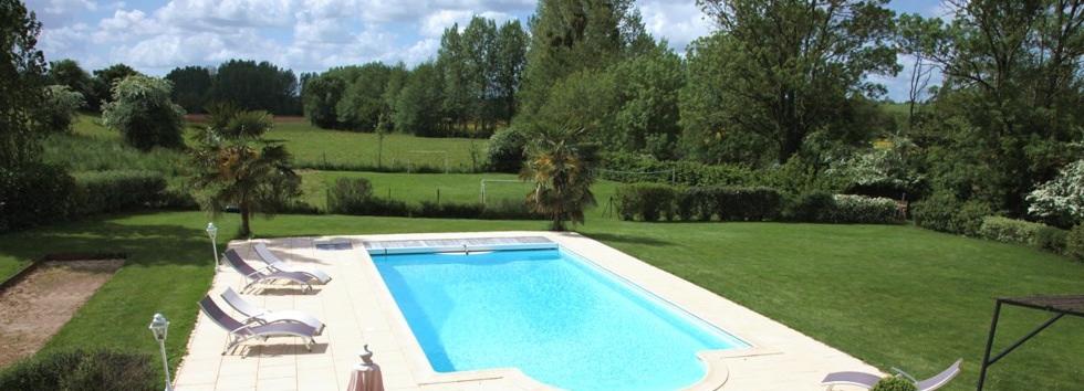 villa haut de gamme vend e avec piscine privative. Black Bedroom Furniture Sets. Home Design Ideas