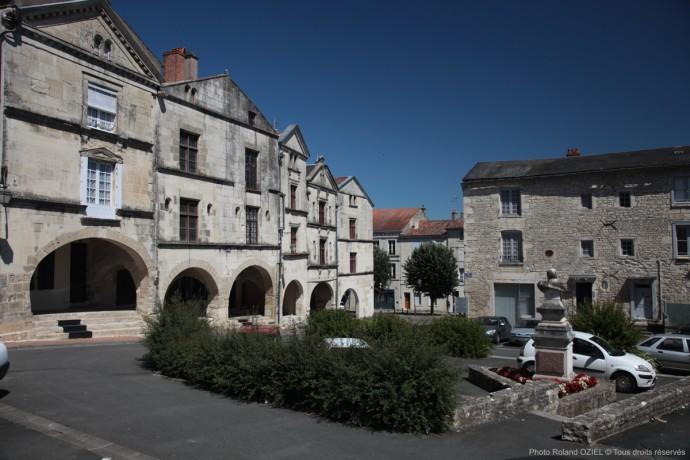 Fontenay le Comte Ville d'Art et d'Histoire